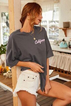 Millionaire Kadın Antrasit Oversize California Baskılı T-shirt 1