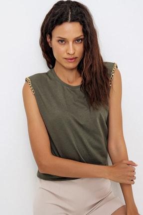 Trend Alaçatı Stili Kadın Haki Omuzları Aksesuarlı Kolsuz Bluz ALC-X6474 2