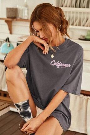 Millionaire Kadın Antrasit Oversize California Baskılı T-shirt 4