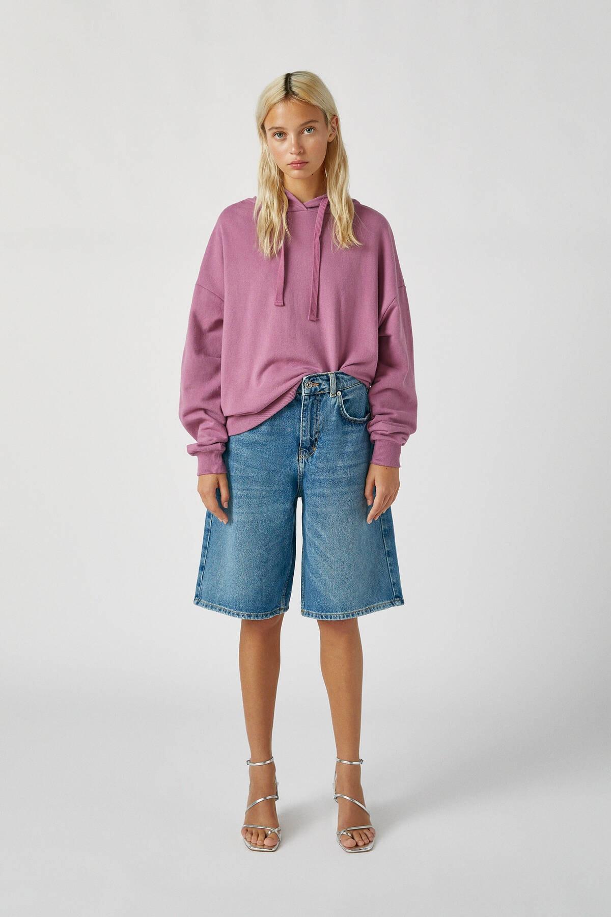 Pull & Bear Kadın Mor Renkli Kapüşonlu Sweatshirt 09594312 1
