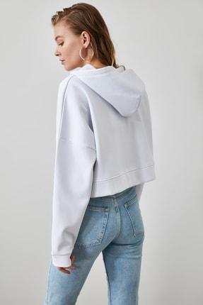 TRENDYOLMİLLA Ekru Kapüşonlu Crop Örme Sweatshirt TWOAW20SW0660 3