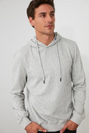 TRENDYOL MAN Gri Erkek Kapüşonlu Regular Sweatshirt TMNAW21SW0629 2