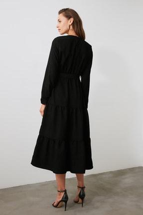 TRENDYOLMİLLA Siyah Kuşaklı Kadife Büzgülü Elbise TWOAW20EL2133 3