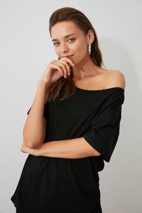 TRENDYOLMİLLA Siyah %100 Pamuk Kayık Yaka Boyfriend Örme T-Shirt TWOSS20TS0140 3