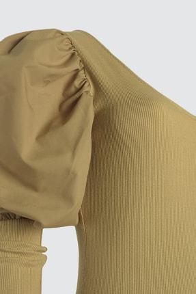 TRENDYOLMİLLA Camel Kol Detaylı Çıtçıtlı Örme Body TWOAW21BD0016 1