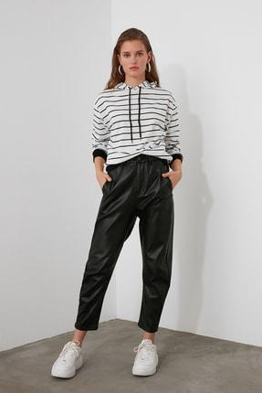 TRENDYOLMİLLA Beyaz Çizgili Basic Örme Sweatshirt TWOAW21SW0789 2