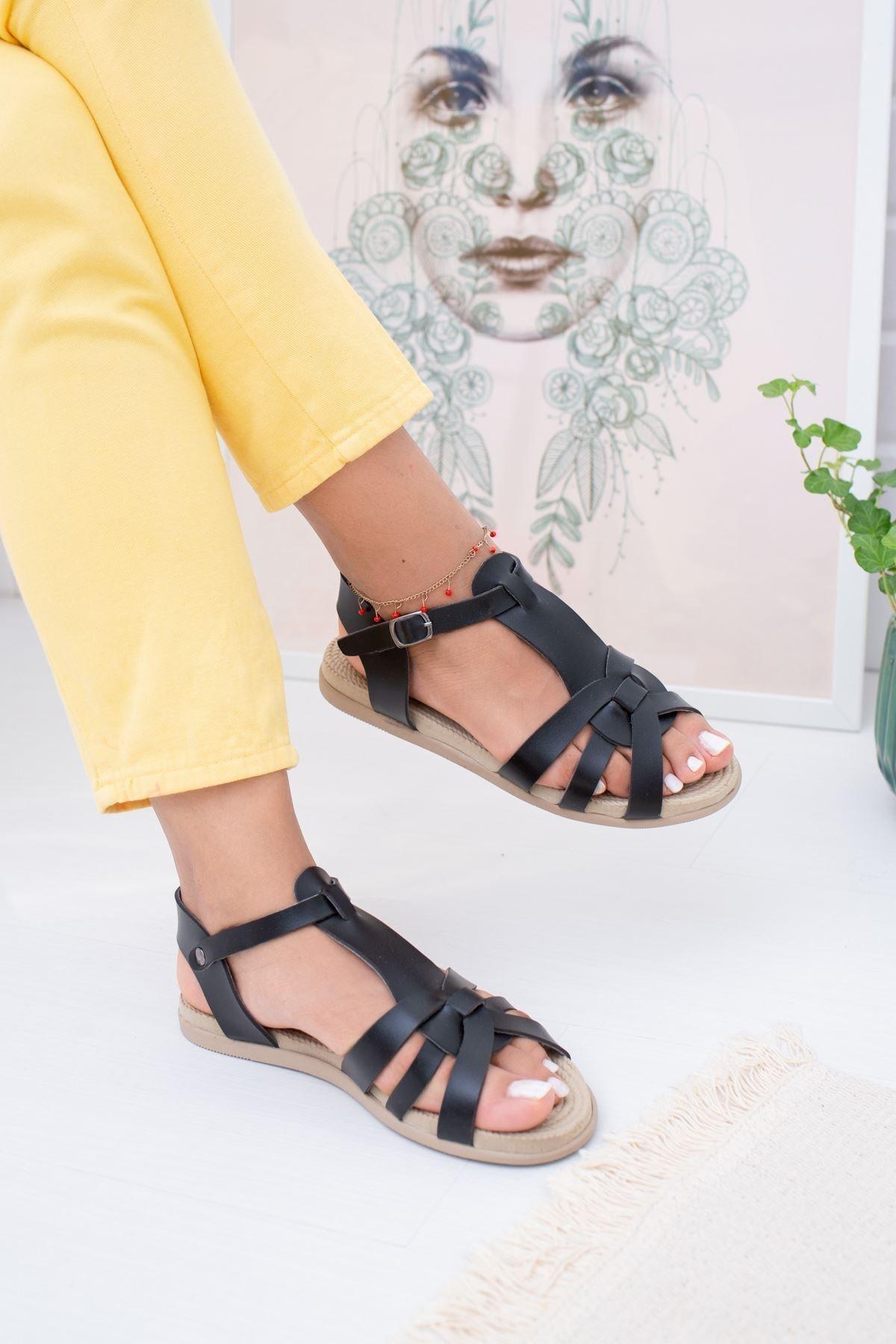 epaavm Kadın Beyaz Çoklu Çapraz Sandalet