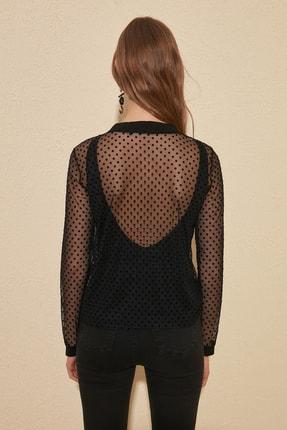 TRENDYOLMİLLA Siyah Puantiyeli Tül Örme Bluz TWOAW20BZ0245 4