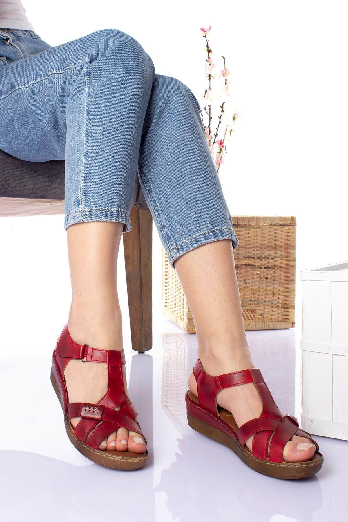 epaavm Kadın Kırmızı Ortopedik Pedli Sandalet