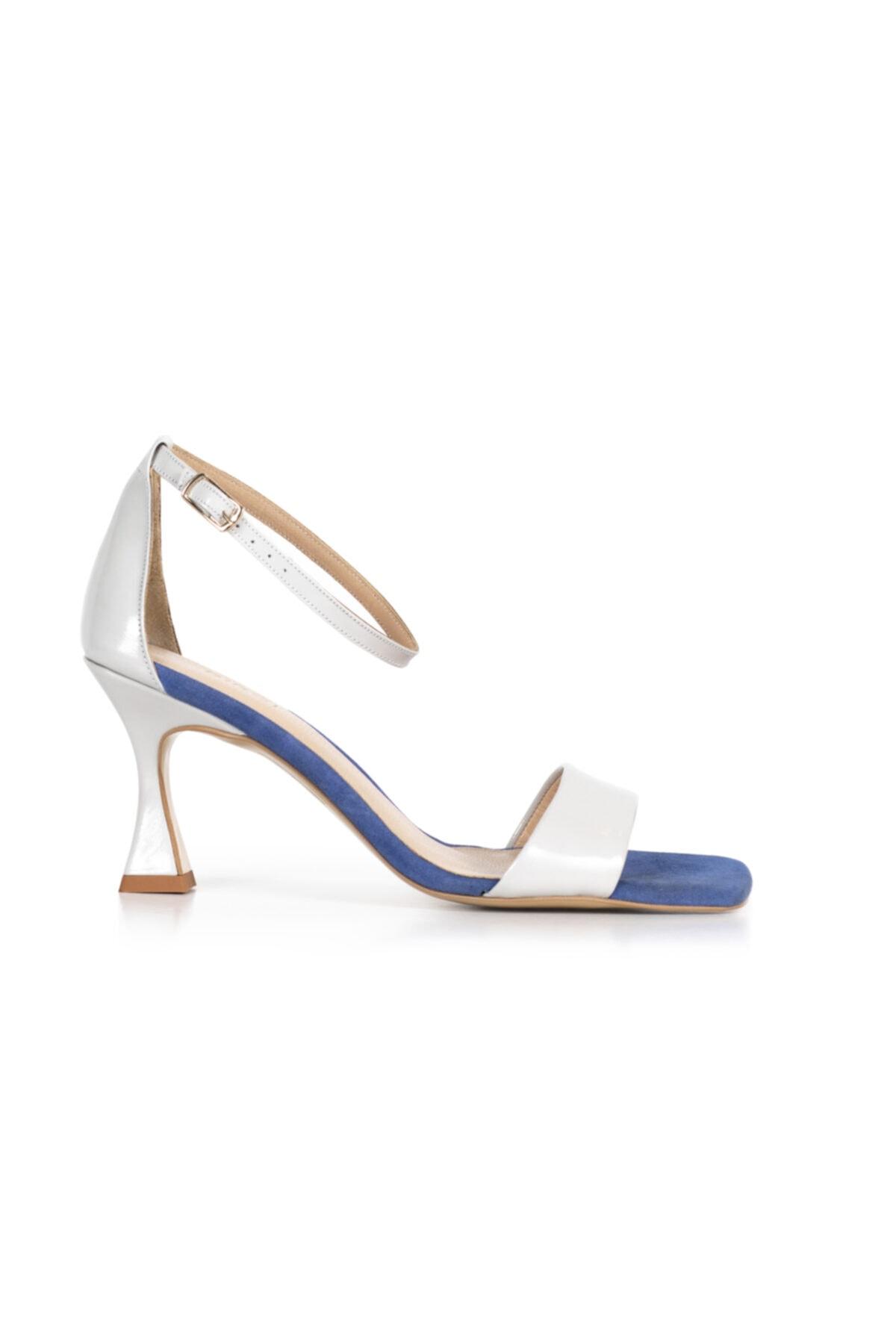 PİRCİ Kadın Kırık Beyaz Rugan Deri Topuklu Ayakkab