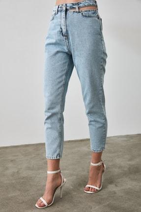 TRENDYOLMİLLA Mavi Cut Out Detaylı Yüksek Bel Mom Jeans TWOAW21JE0268 4