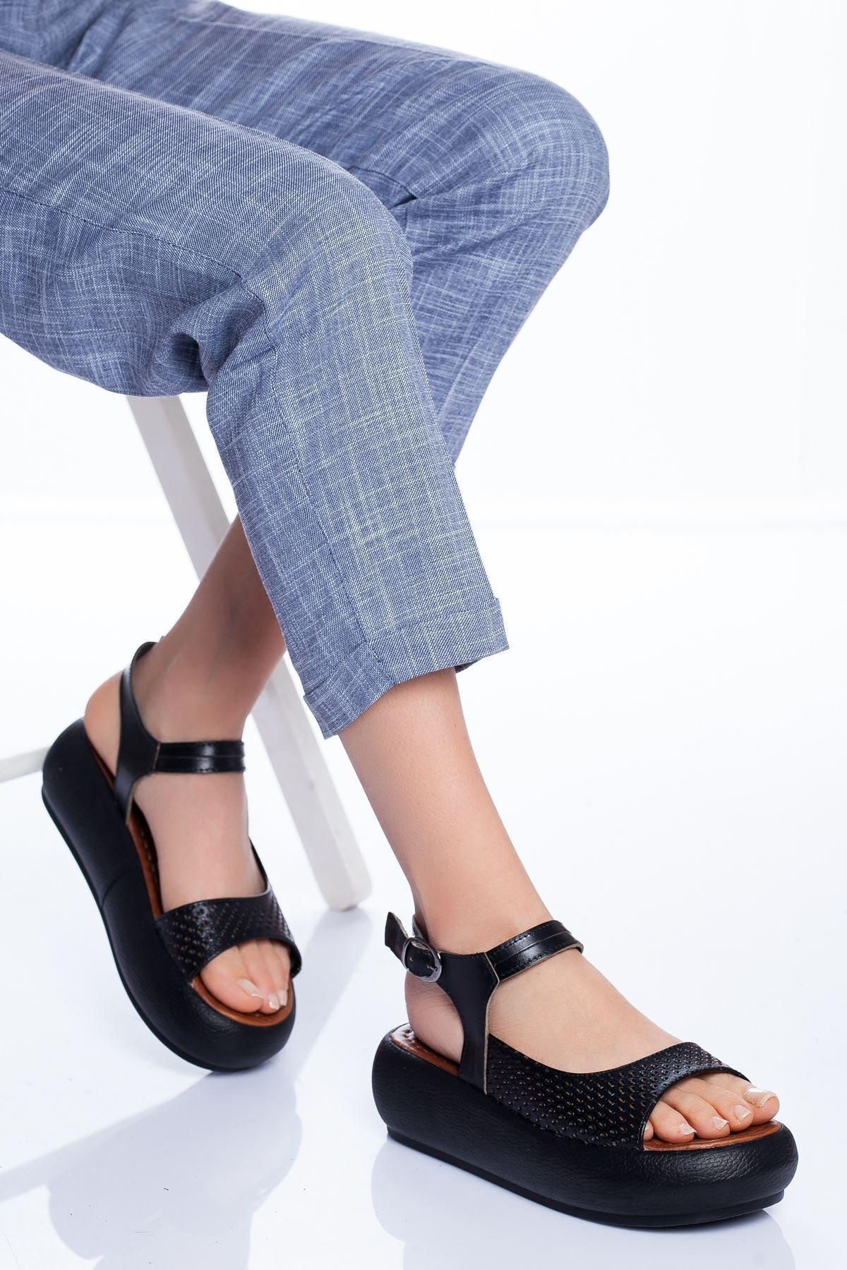 Radikal Kadın Siyah Mia Hakiki Deri Sandalet