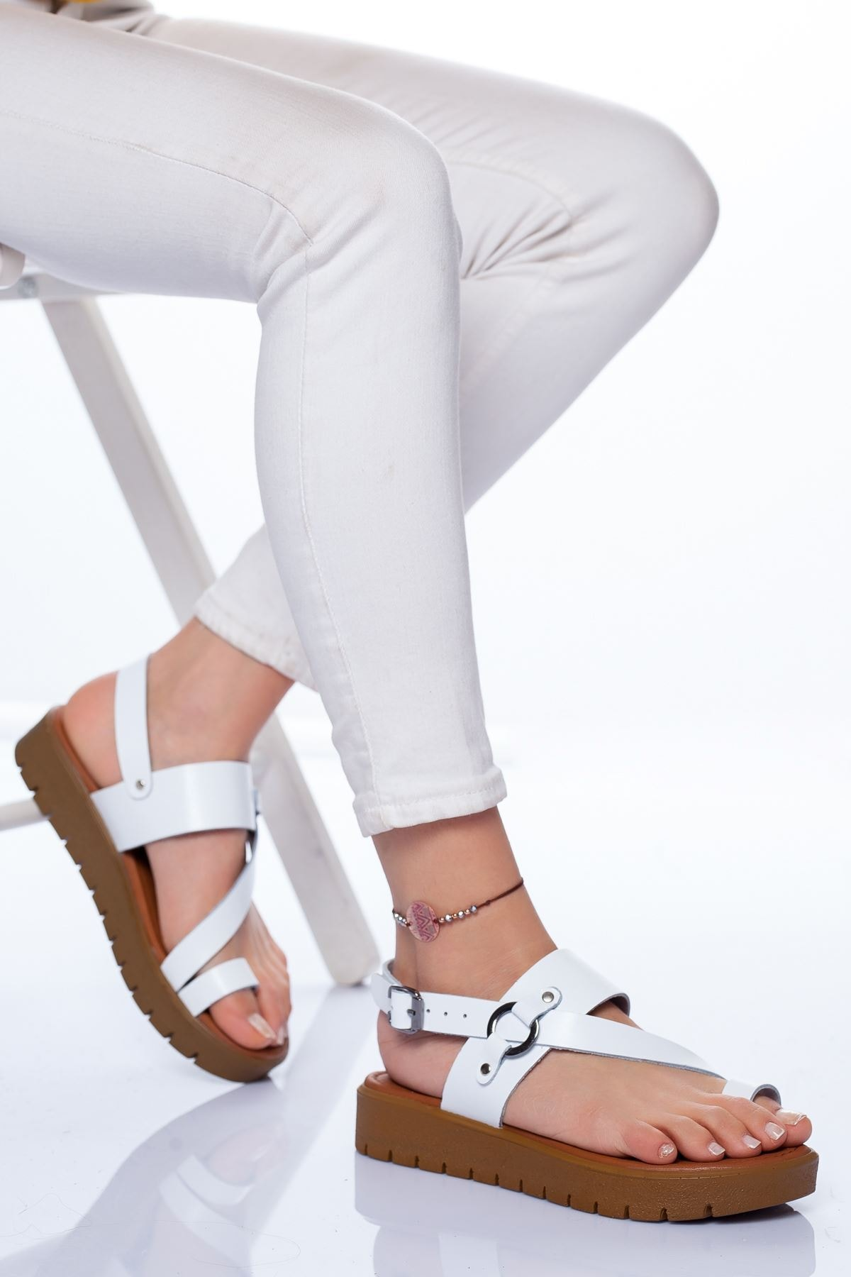 Radikal Kadın Beyaz Deri Sandalet