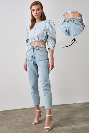 TRENDYOLMİLLA Mavi Cut Out Detaylı Yüksek Bel Mom Jeans TWOAW21JE0268 0