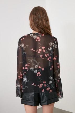 TRENDYOLMİLLA Siyah Düğme Detaylı Gömlek TWOAW21GO0354 4