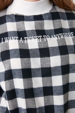 TRENDYOLMİLLA Lacivert Dik Yaka Ekoseli Loose Örme Sweatshirt TWOAW21SW0151 3