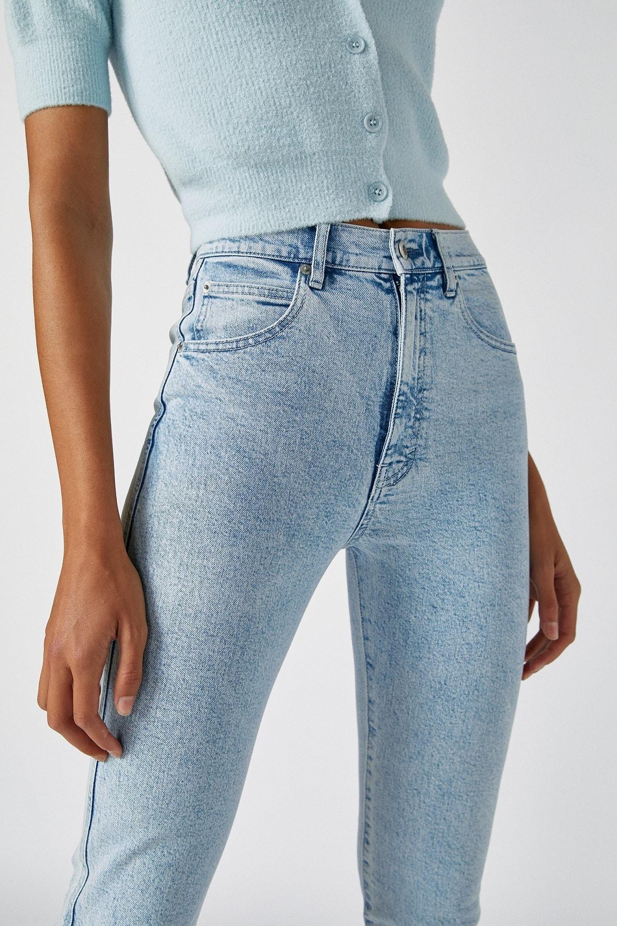 Pull & Bear Kadın Açık Mavi Comfort Slim Fit Mom Jean 05682305 2