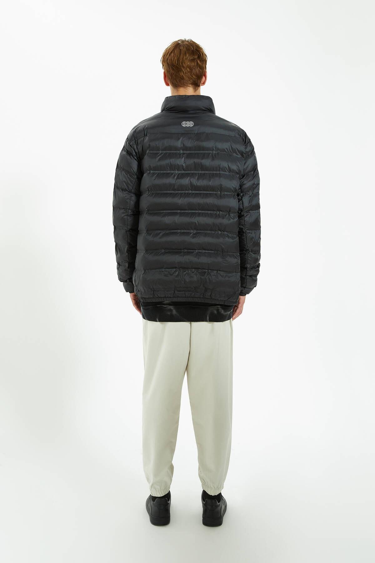 Pull & Bear Erkek Siyah Hafif Kumaş Şişme Mont 09710531 3
