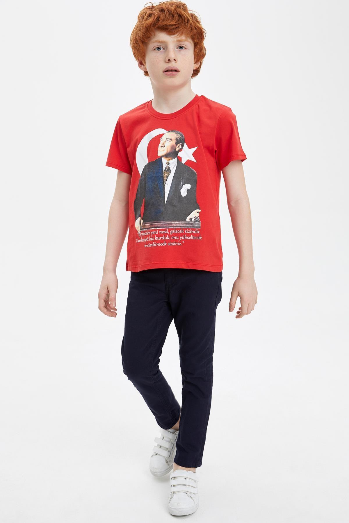 Defacto 23 Nisan Atatürk Baskılı Kısa Kollu T-shirt 1