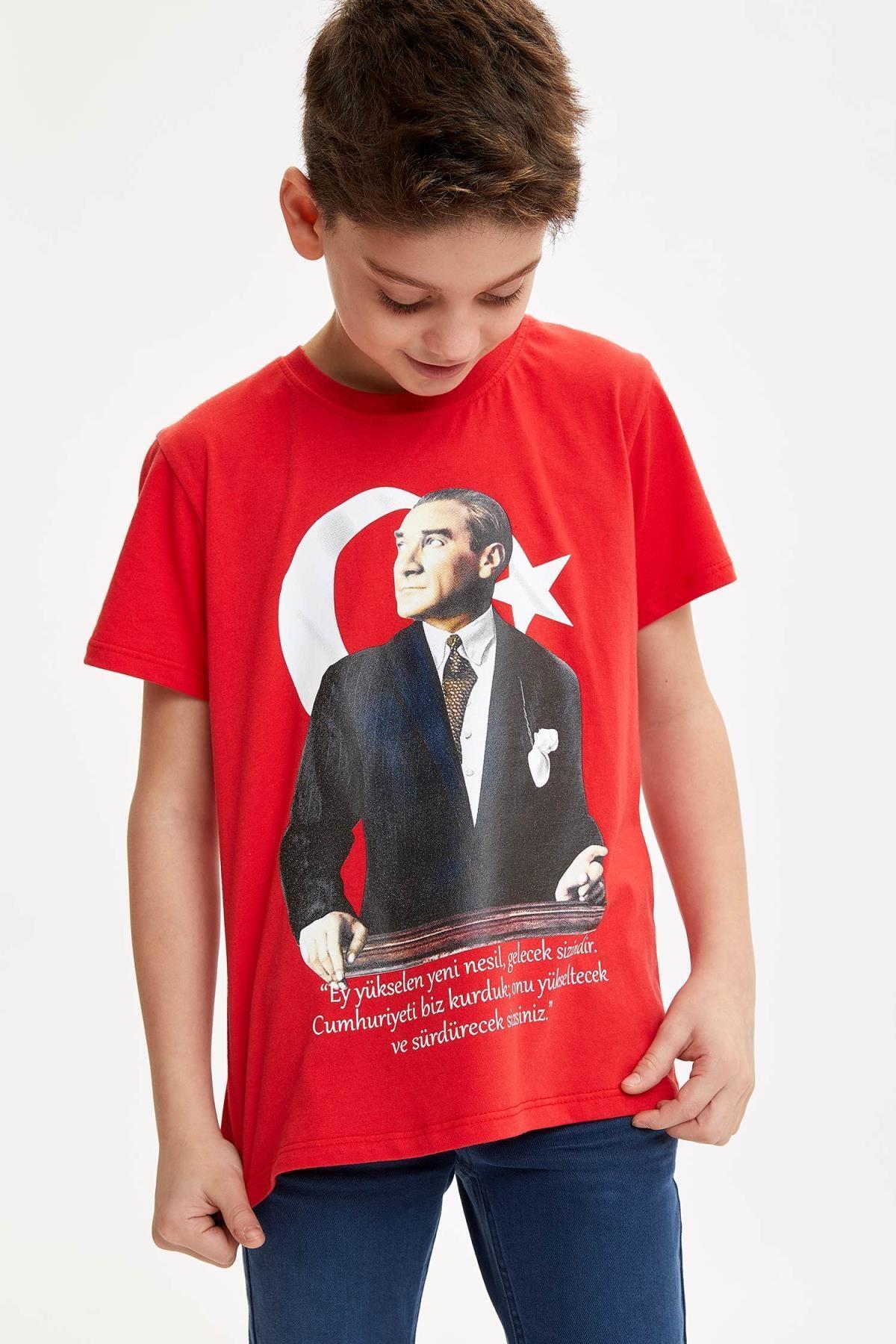 Defacto 23 Nisan Atatürk Baskılı Kısa Kollu T-shirt 3