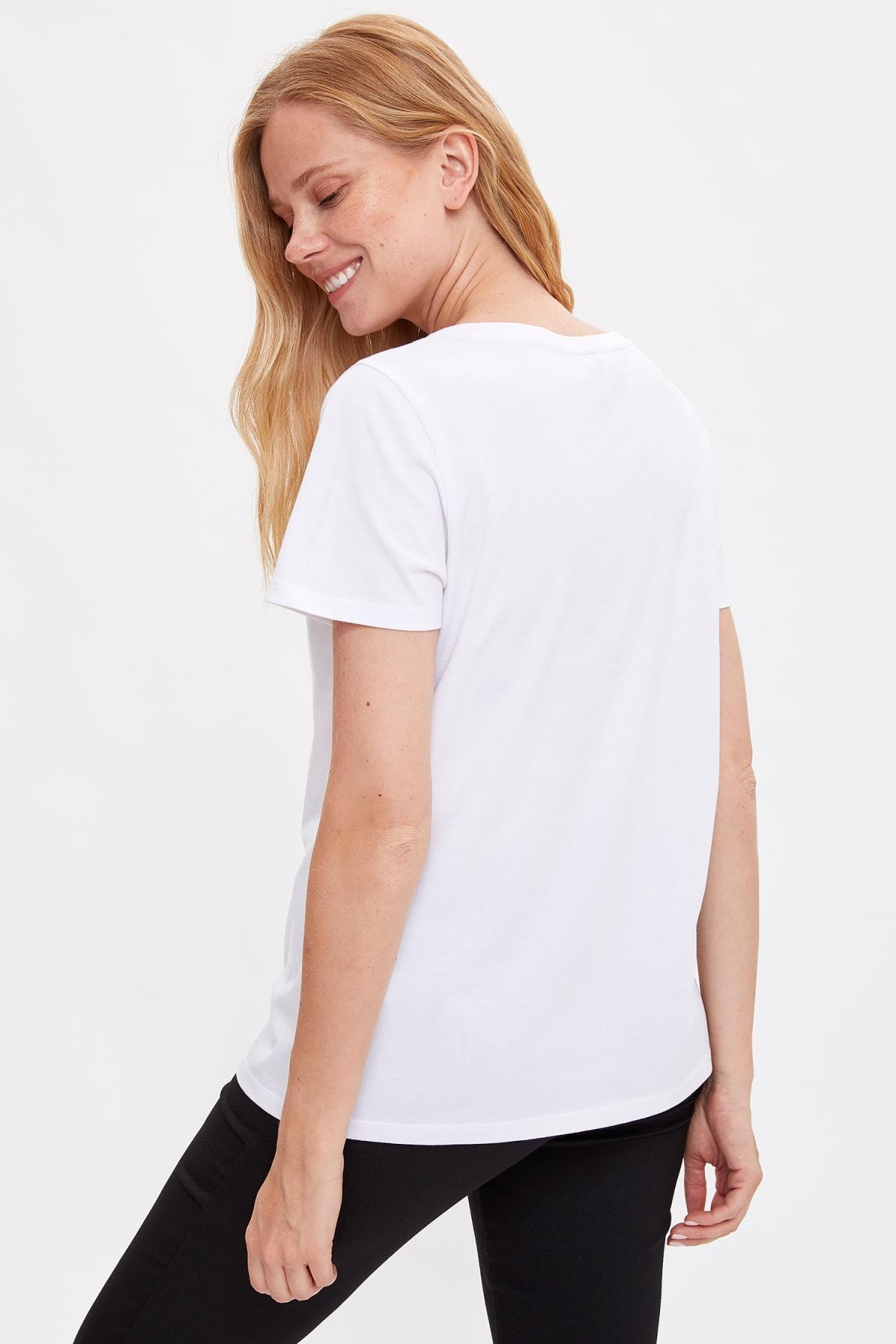 Defacto Kadın Beyaz Baskılı Kısa Kollu T-shirt L7702AZ.19HS.WT34 3