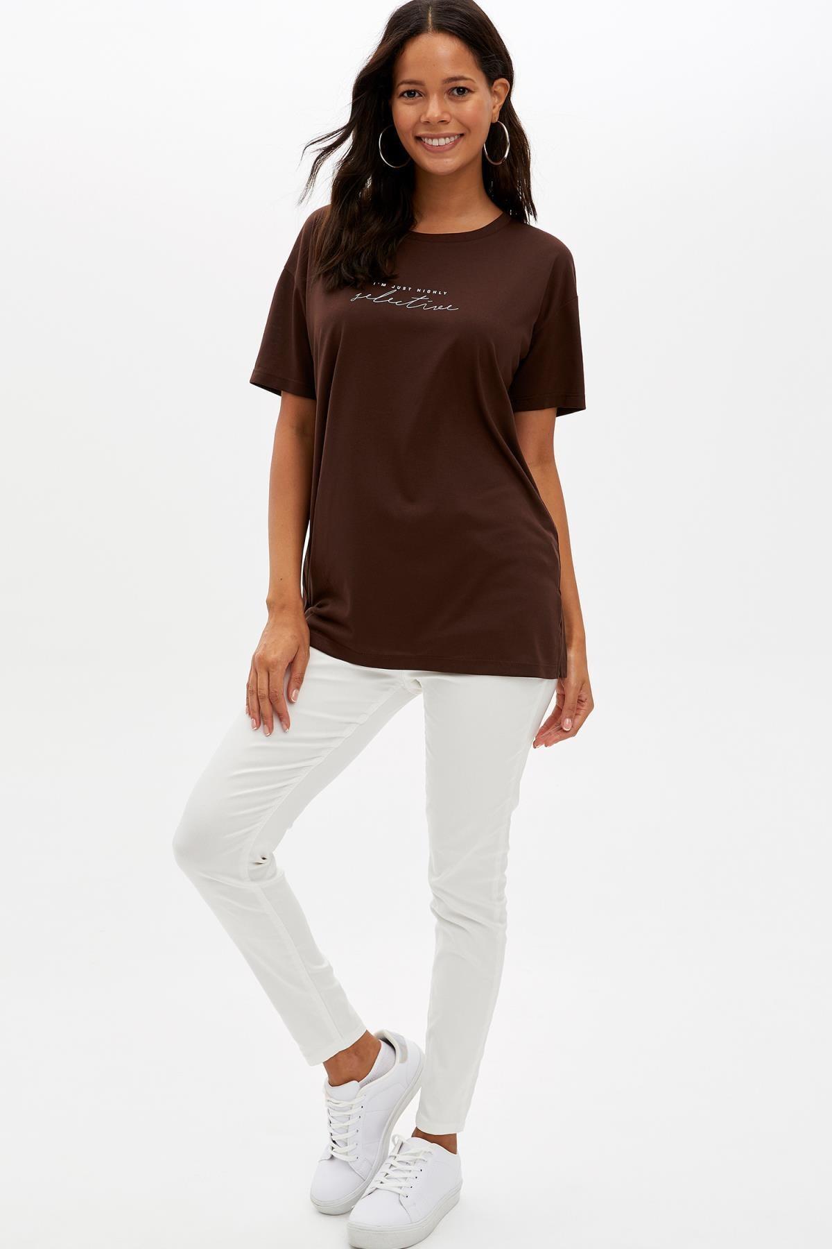 Defacto Kadın Kahverengi Baskılı Regular Fit T-Shirt M1868AZ.19AU.BN45 1