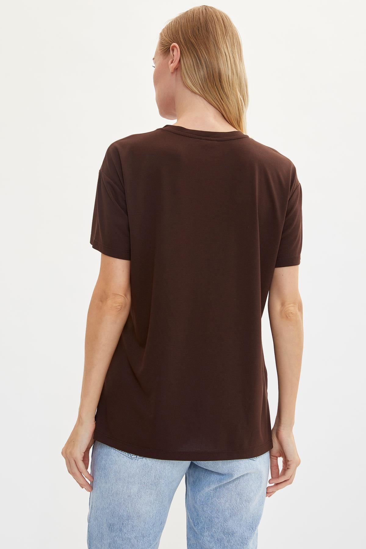 Defacto Kadın Kahverengi Baskılı Regular Fit T-Shirt M1868AZ.19AU.BN45 4