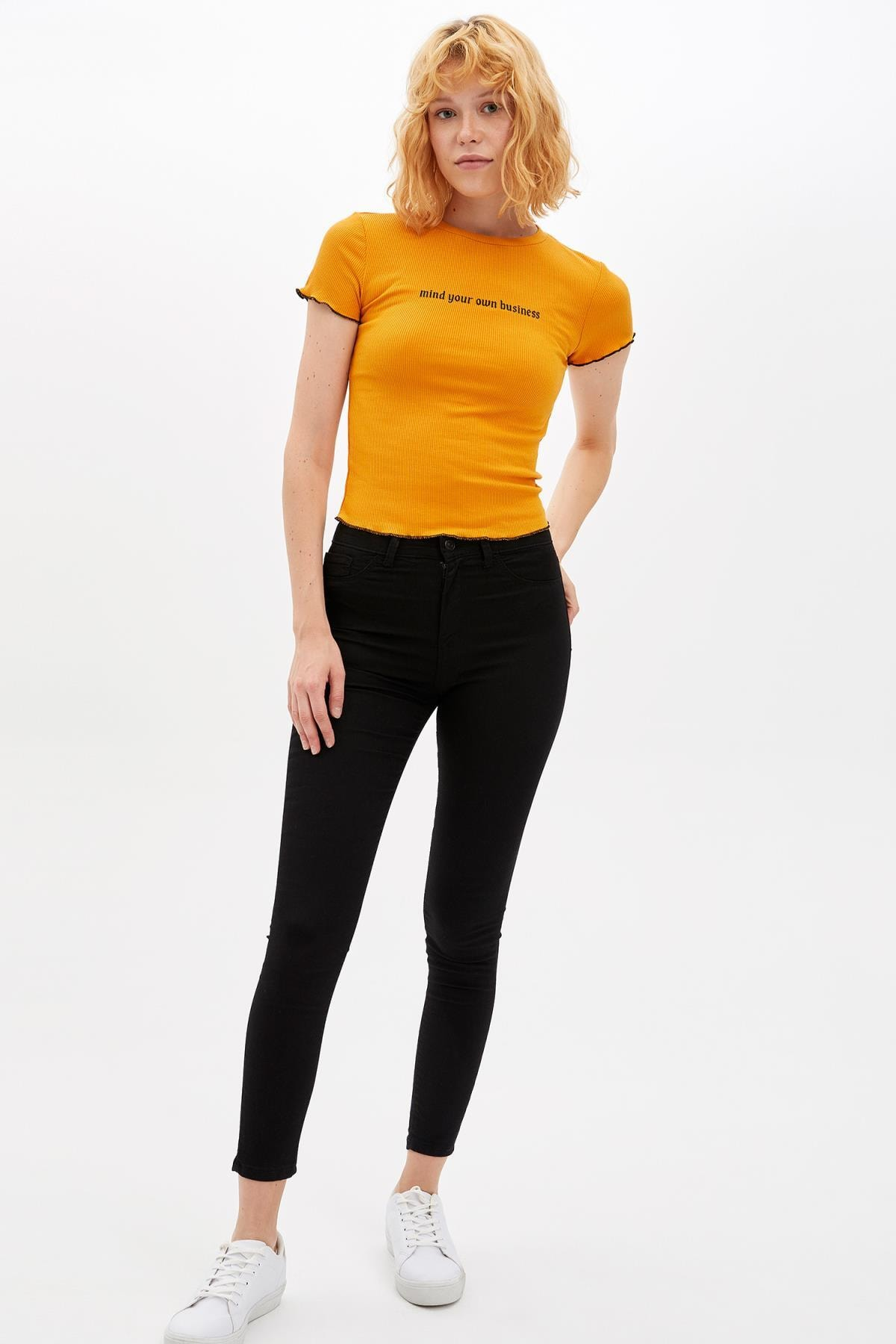 Defacto Kadın Sarı Slim Fit Yazı Baskılı Kısa Kollu T-shirt M0203AZ.19AU.YL349 1
