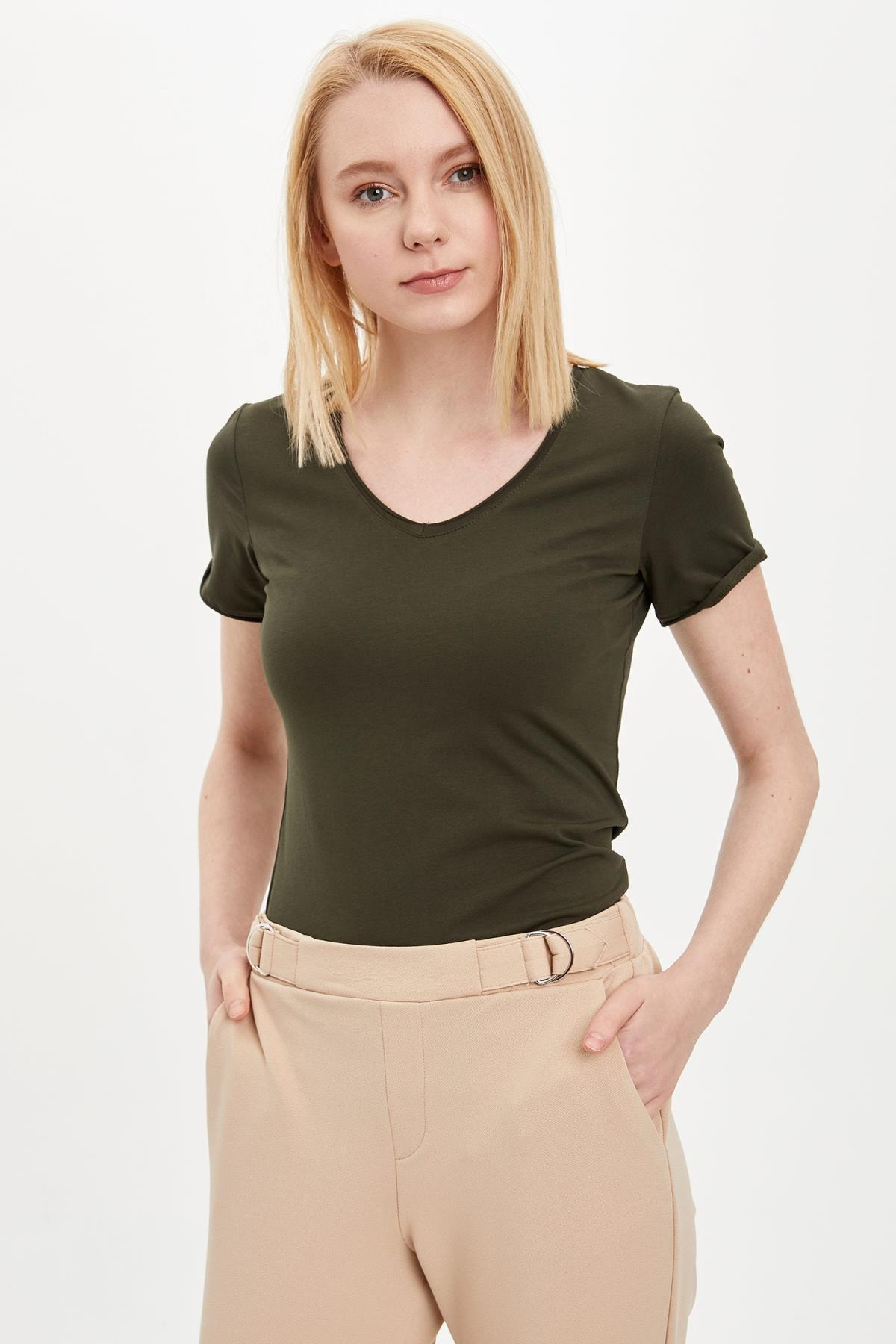 Kadın Haki V Yaka Basic T-Shirt I1073AZ.20SP.KH211