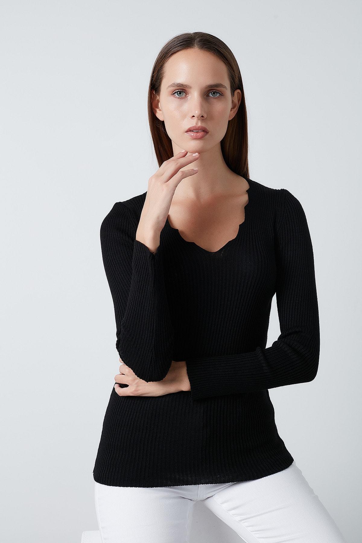 Lela Siyah V Yaka Kazak Kadın Kazak 4614760 1