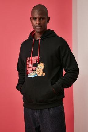 TRENDYOL MAN Siyah Erkek Baskılı Lisanslı Oversize Kapüşonlu Sweatshirt TMNAW21SW0565 2