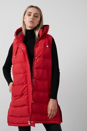 Lela Kadın Kırmızı Kapüşonlu Cepli Yanları Fermuar Detaylı Uzun Yelek 497moana 3
