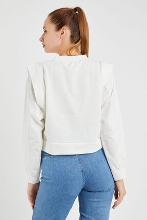 OFLEE Kadın Beyaz Omuzları Detaylı Kısa Sweatshirt 2