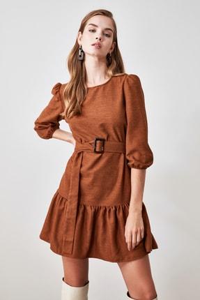 TRENDYOLMİLLA Kahverengi Kemerli Kadife Elbise TWOAW21EL0952 1