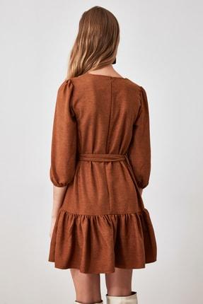 TRENDYOLMİLLA Kahverengi Kemerli Kadife Elbise TWOAW21EL0952 3