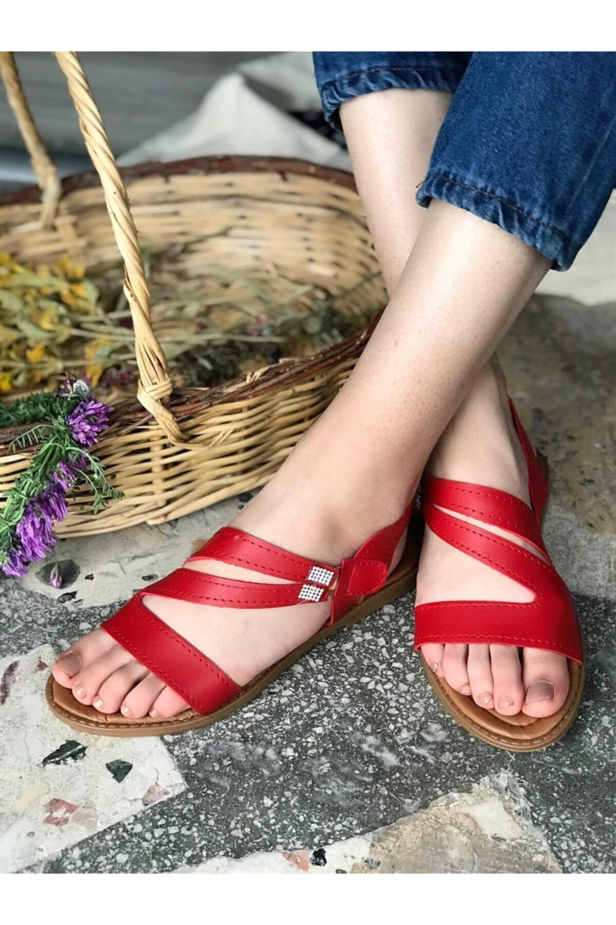 Hepsi Moda Kadın Kırmızı Taş Detay Dikişli Sandalet