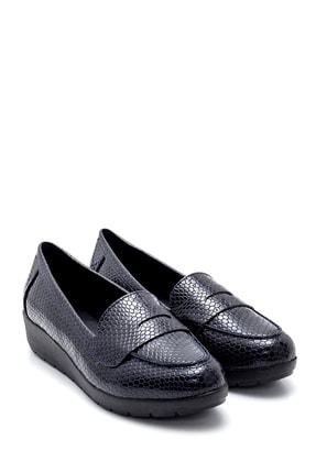 Derimod Kadın Lacivert Yılan Derisi Desenli Ayakkabı 1