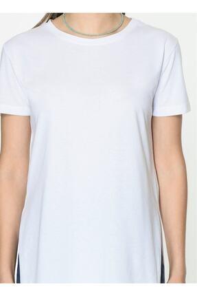 IŞILDA Kadın Beyaz Yanları Yırtmaçlı Kısa Kol Basic Tshirt 1