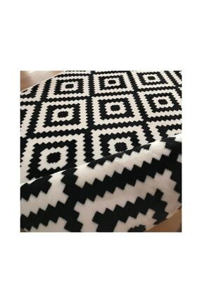 Merinos Aksu Piramit Desen Siyah Beyaz Renk Kaymaz Taban Halı Yolluk 2