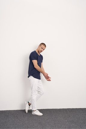 Tarz Cool Erkek Lacivert Pis Yaka Salaş T-shirt 1