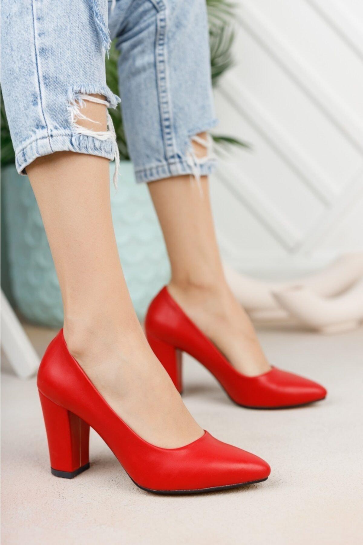 Kadın Kırmızı Cilt Yüksek Kalın Topuklu Ayakkabı