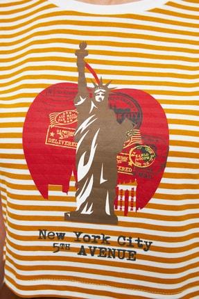 TRENDYOLMİLLA Hardal Baskılı Crop Örme T-Shirt TWOSS21TS3395 3