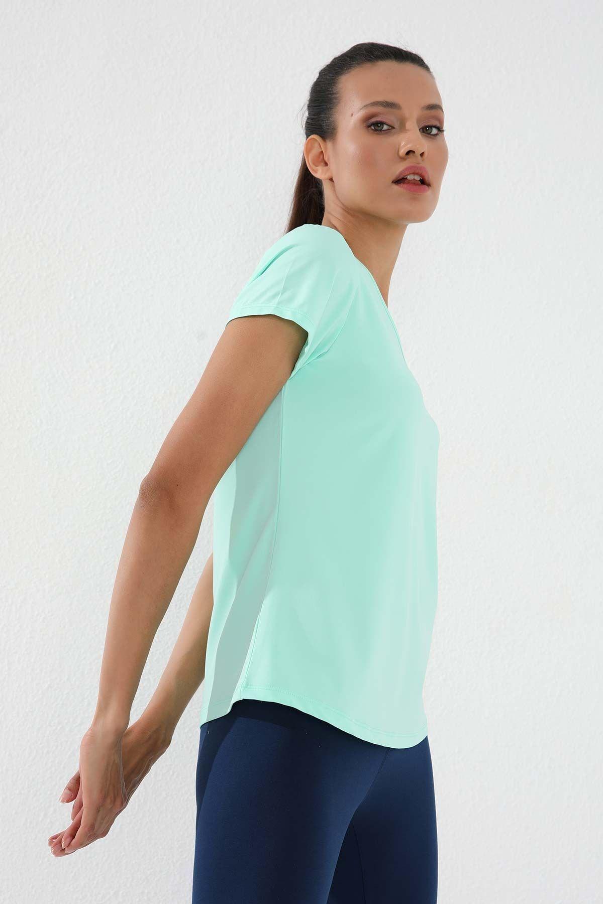 Mint Yeşili Kadın Basic Kısa Kol Standart Kalıp V Yaka T-shirt - 97145