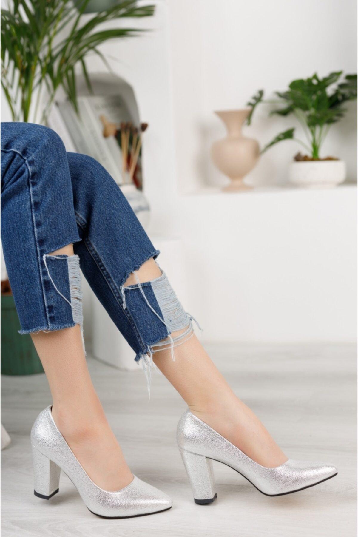 Kadın Gümüş Çatlak Yüksek Kalın Topuklu Ayakkabı