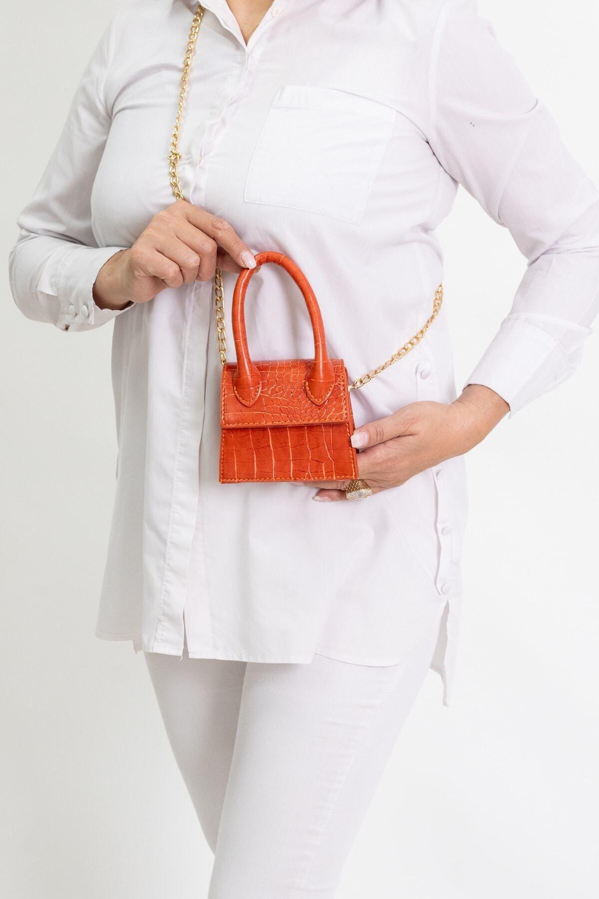 Kadın Turuncu Mini Zincirli Kemerli Çanta
