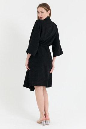 NFREE Kadın Siyah Şerit Yaka Yarım Kol Küçük Puantiyeli Kuşak Kapama Tunik 4