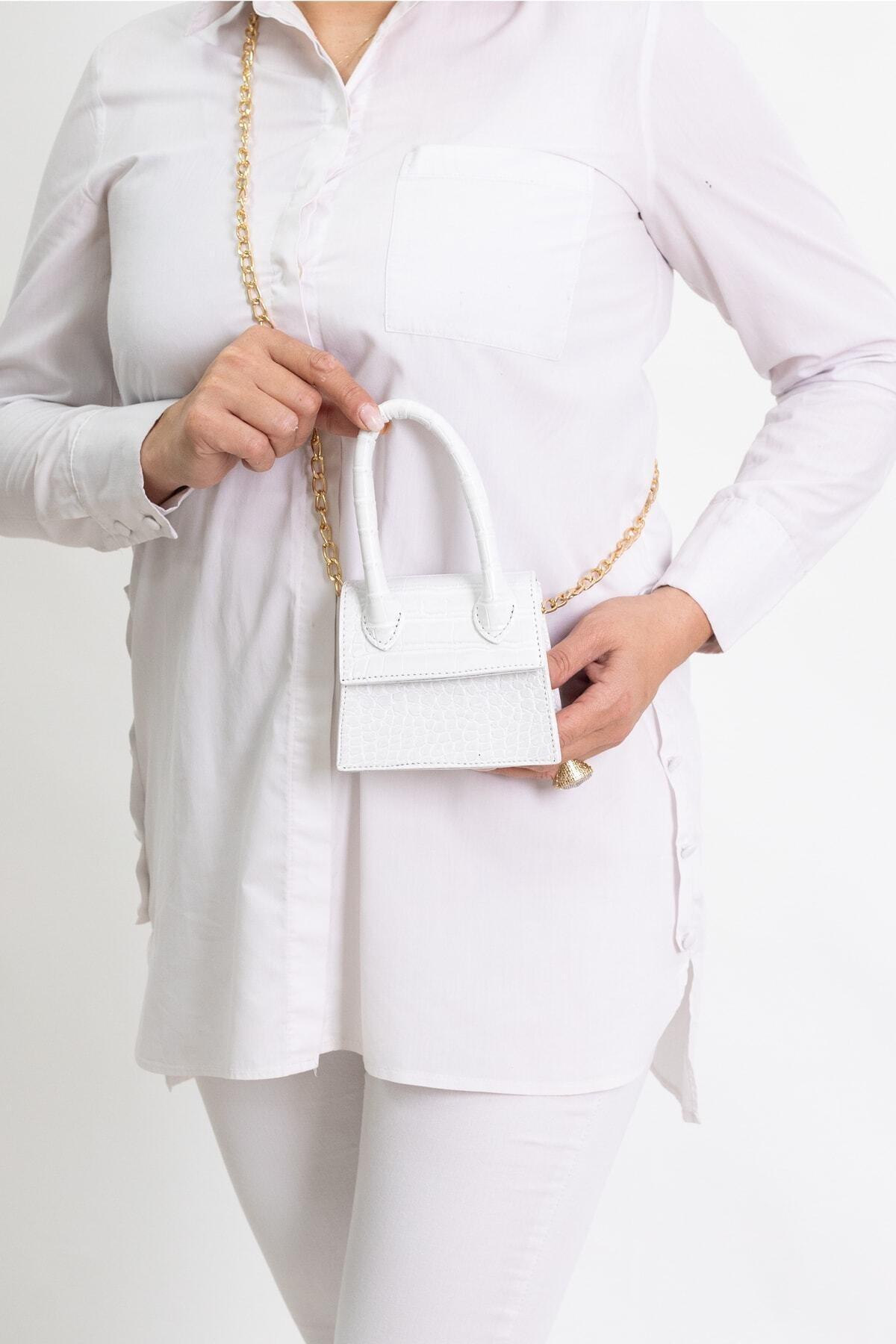 Kadın Beyaz Mini Zincirli Kemerli Çanta