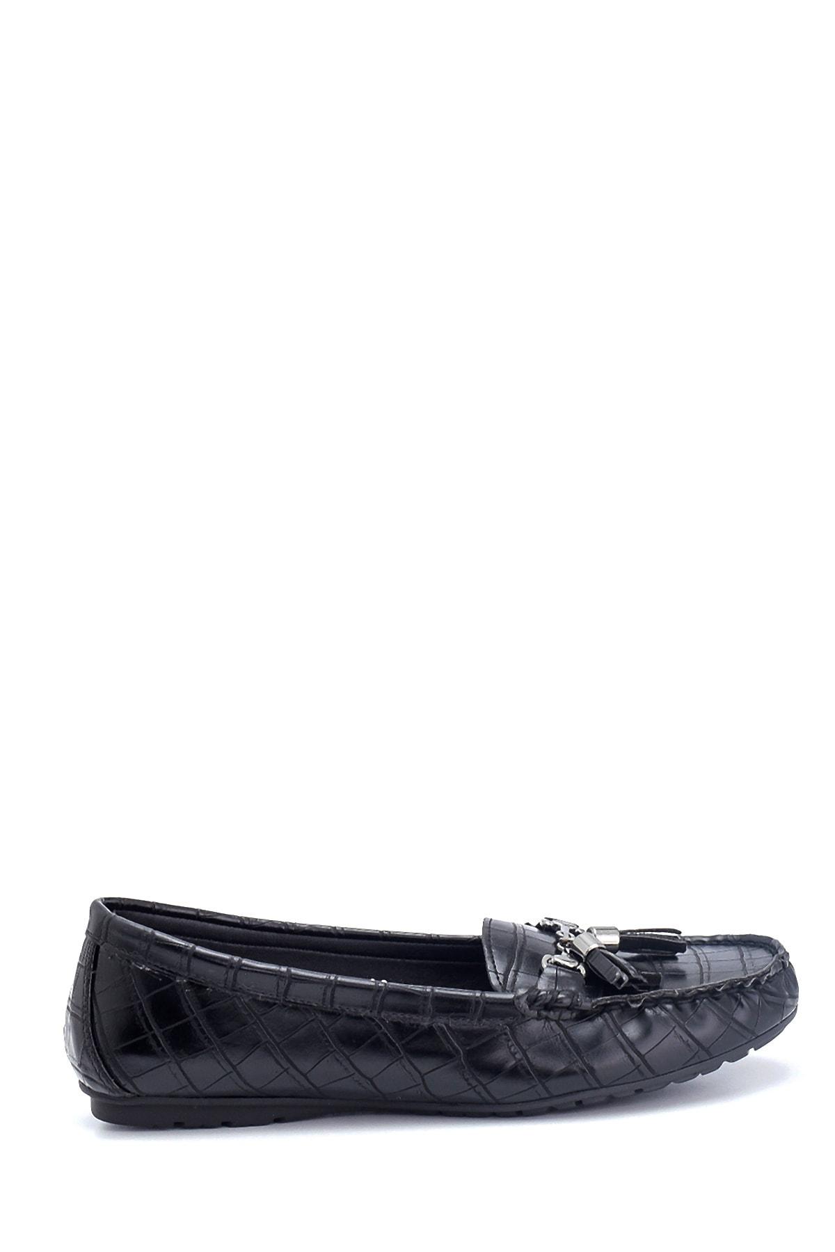 Kadın Kroko Desenli Püsküllü Loafer Ayakkabı
