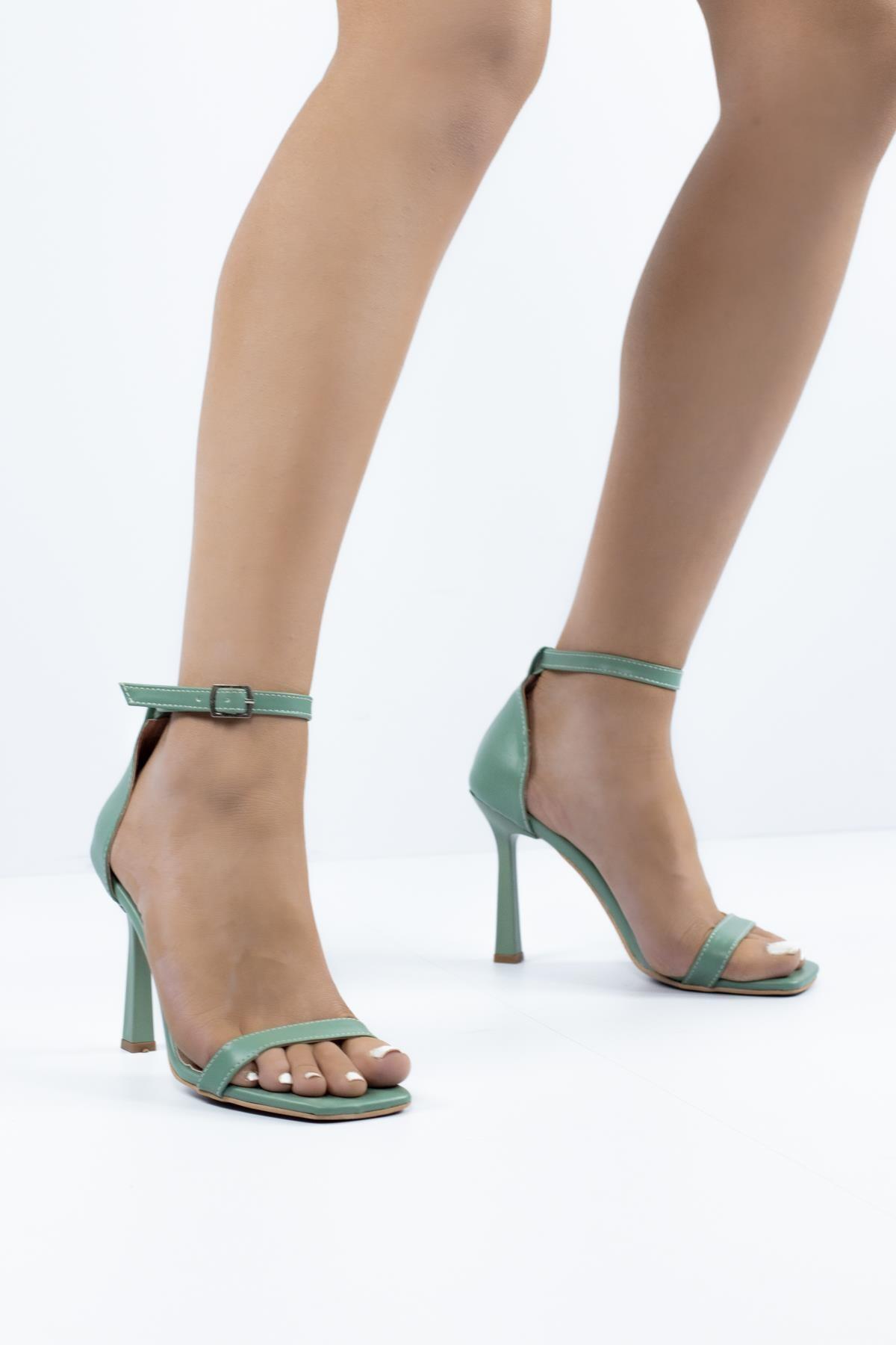 Sofita Bantlı Kadın Topuklu Ayakkabı