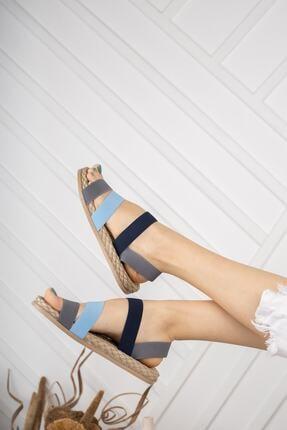 Daxtors Kadın Gri Günlük Ortopedik Şeritli Sandalet D035 3